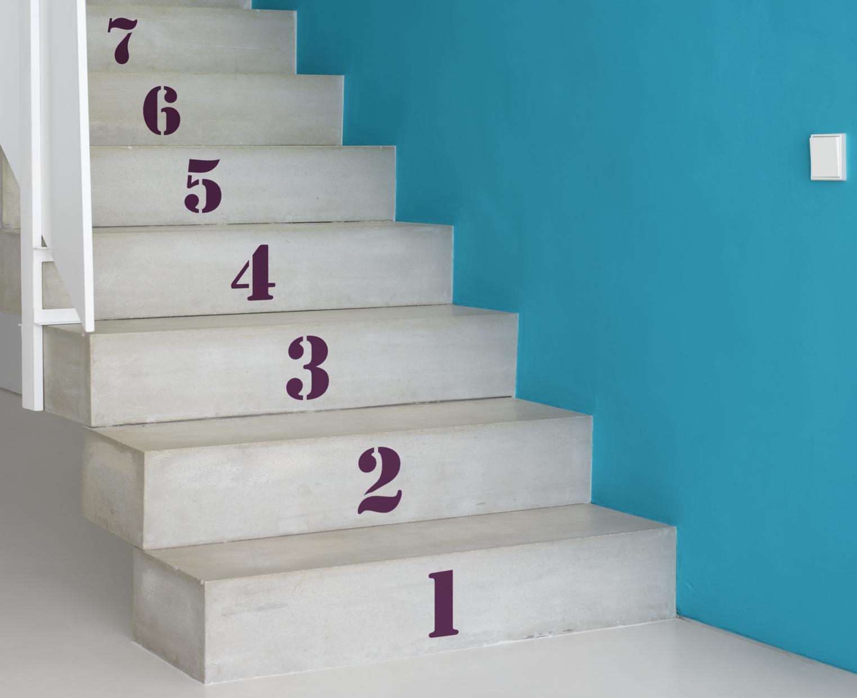 betongtrappa turkos vägg siffror